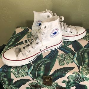 White CONVERSE High-Tops Chuck Taylor Size 8 Women